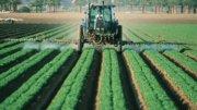 Maquinaria cultivando el campo   Foto: Abracen.