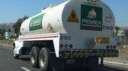 Pipa de Pemex viajando en carretera   Foto: Especial