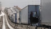 Camiones en espera de cruzar la frontera | Foto: Especial