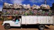 Así luce uno de los 2 camiones que cada semana cargan PET a su máxima capacidad | Foto: Descubre Colima y sus Alrededores