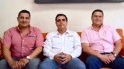 Daniel Zárate Lozoya, director de la UTCM; el periodista William Valdez Verduzco, director de Comunidad Portuaria, sección especializada de El Noticiero de Manzanillo y Yax Tzel Nolasco, vicepresidente de la UTCM.