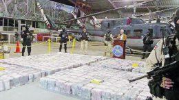 La droga estaba distribuida en 202 maletines con 25 paquetes de un kilo de cocaína cada uno | Foto: especial