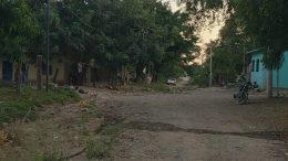El cuerpo se encontraba en la calle Tecomán del ejido de Nuevo Cuyutlán | Foto: Especial