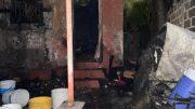 Pérdida total dejó el incendio de una vivienda en Santiago, por el difícil acceso no fue posible que llegará la motobomba   Foto: Jesús Lozoya Baeza