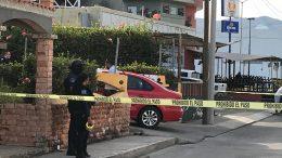 El auto quedó en el ingreso al motel Rubí que se encuentra en la calle Halcones   Foto: El Noticiero