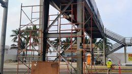Puente peatonal Secundaria N°1 en Manzanillo | Foto: Especial