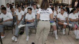 Elementos de la SSP, realizaron acciones de proximidad social con los alumnos de la secundaria Benjamín Fuentes | Foto: Especial