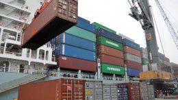 Contenedores de carga en Manzanillo   Foto: Especial