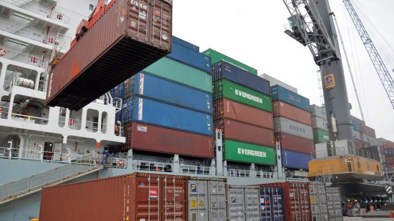 Contenedores de carga en Manzanillo | Foto: Especial