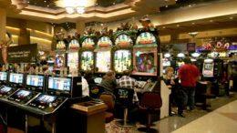 Los 7 casinos que operan en el estado de Colima han registrado pérdidas de 130 millones de pesos en los últimos 4 meses, por lo que avisaron que el próximo 15 de julio pagarán la última quincena.  Foto: Especial.