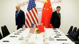 El presidente de EU plantea la posibilidad de desvincular la economía de EU de China, en medio de la guerra comercial que libran ambos países.