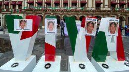 Los comunicadores se manifestaron en las ciudades de Xalapa y Córdoba, donde solicitaron que se resuelva este caso, así como mayor protección al gremio.
