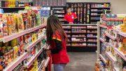Alejandro Carvajal, diputado federal, argumentó que un cajero bancario percibe un pago mensual de aproximadamente 14 mil pesos; y pretende incluir a empleados de 7 Eleven, Circle K, Oxxo, Sanborns, Suburbia, Coppel y Farmacias Guadalajara.