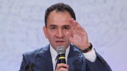 El secretario de Hacienda, Arturo Herrera, dijo que el pacto fiscal por el que se distribuyen ingresos a los estados según sus aportaciones a la federación fue aprobado en el sexenio calderonista.