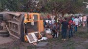 El conductor de la unidad se dio a la fuga, dejando abandonados a los heridos; la Guardia Nacional se hizo cargo del incidente.