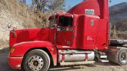 Fue encontrado sobre una brecha que conduce al relleno sanitario, ubicado antes de llegar a la caseta de Cobro en Manzanillo.