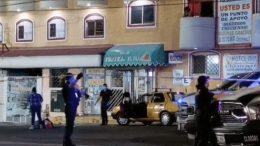 El conductor del transporte público resultó herido de gravedad, en hechos ocurridos por la calle Centenario de la capital colimense.