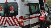 Al sitio acudieron elementos de la Cruz Roja, sin embargo, una hora después el joven Ángel R. murió en el sitio.