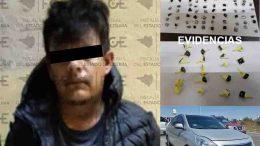 Circulaba a bordo de un automóvil Nissan en una de las colonias de la zona oriente, le fue decomisada heroína, ice y el auto.