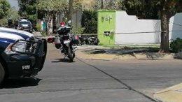 Tripulantes de un auto sedan lo seguían desde la avenida Ayuntamiento, dándole alcance en la colonia Azaleas, le dispararon hasta dejarlo sin vida.