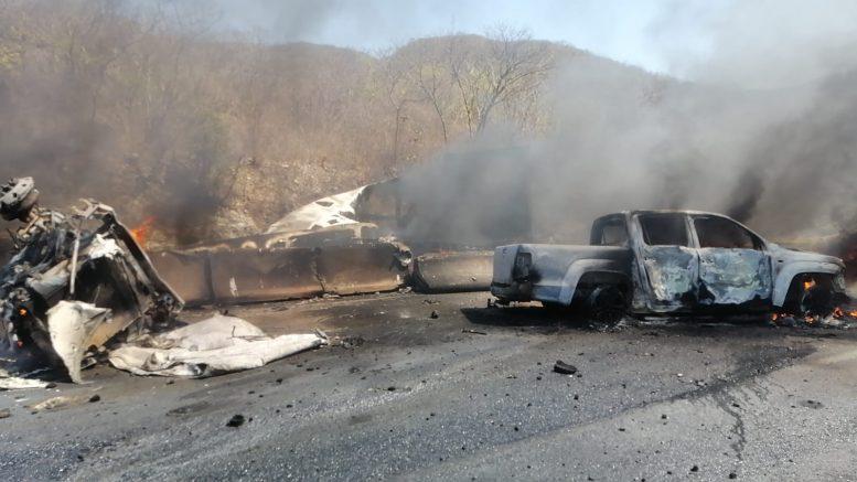 Se desconoce el número de víctimas que perecieron en el lugar, así como los vehículos que se vieron involucrados en el incidente.