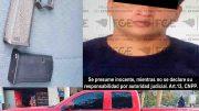 Los hechos ocurrieron en el cruce con la carretera libre Armería – Manzanillo, luego de una revisión le encontraron una pistola y diversos cartuchos en su poder, por lo que de inmediato fue detenido.