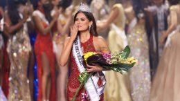Andrea Meza es la tercera mexicana en ganar el Miss Universo. La primera fue Lupita Jones, en 1991, oriunda de Mexicali, Baja California; y la segunda, Ximena Navarrete, de Guadalajara Jalisco, quien ganó el certamen en 2010.