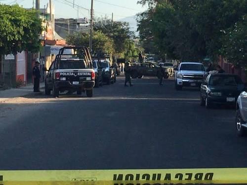 Autoridades policiacas iniciaron un recorrido por las calles aledañas con la finalidad de encontrar el resto del cuerpo, pero fue inútil. (Foto ilustrativa)